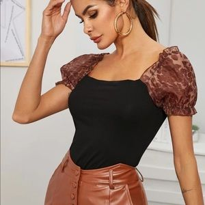 Contrast sleeve leopard fitted tee-size 6